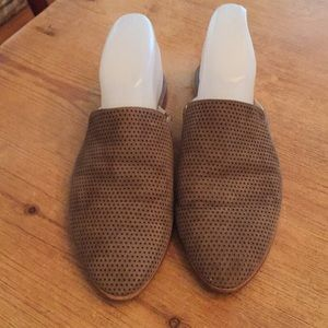 Kenneth Cole mules suede